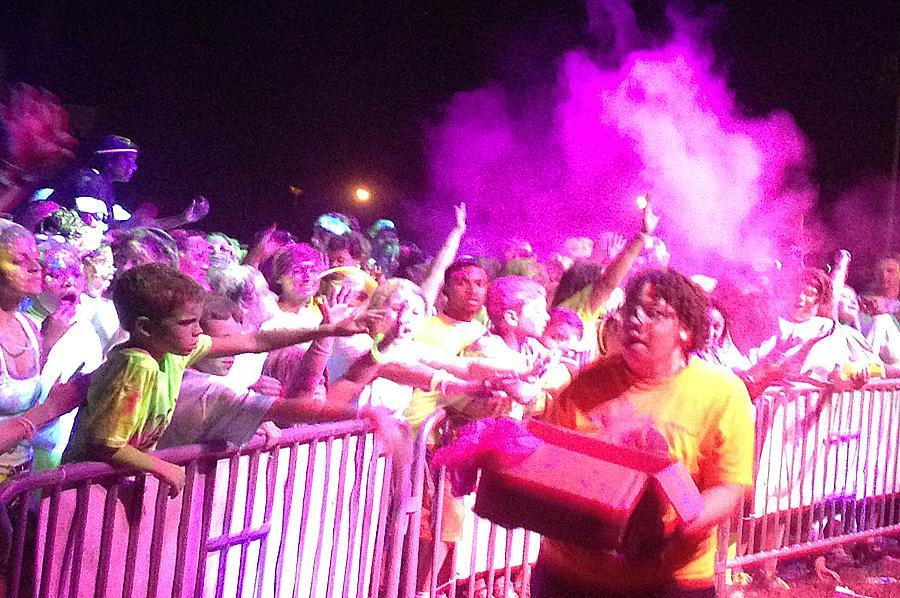Neon Vibe illuminates Huntsville, 5k leaves vivid mark on student