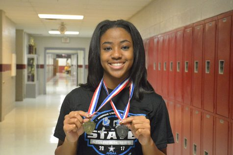 Junior Sets State Record in Track