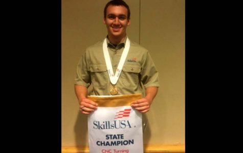 Senior wins gold medal CNC scholarship