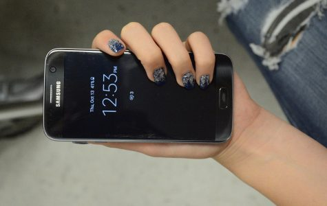 Samsung recalls popular phone
