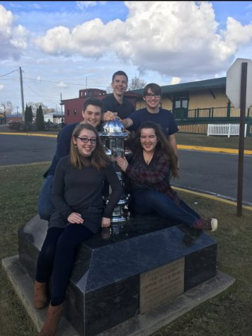 Scholar's Bowl Qualifies for State