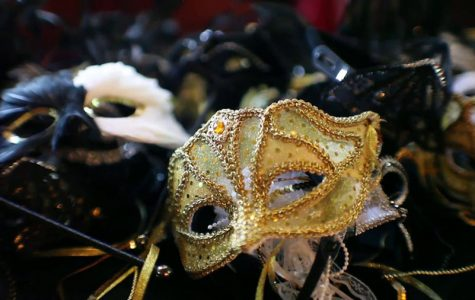 Restrictions on Masks For Maquerade Prom Night