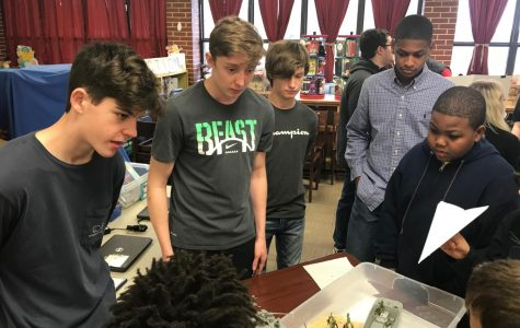 Class Project Teaches WWII to Harvest Elementary Students