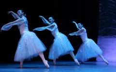 Sophomore Utilizes Ballet Skills in Local Production of The Nutcracker