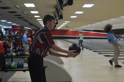 Bowling Teams Place in State Finals